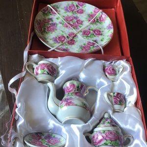 Porcelain mini tea set!💕✨